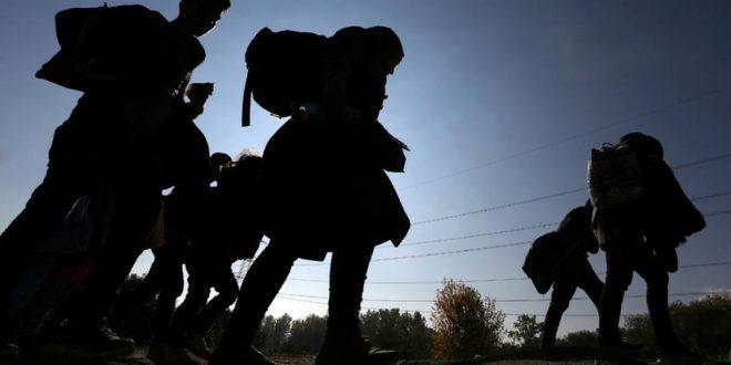 كارل نيهمر وزير داخلية النمسا يحظر تقديم طلبات لجوء جديدة في ظل انتشار كورونا