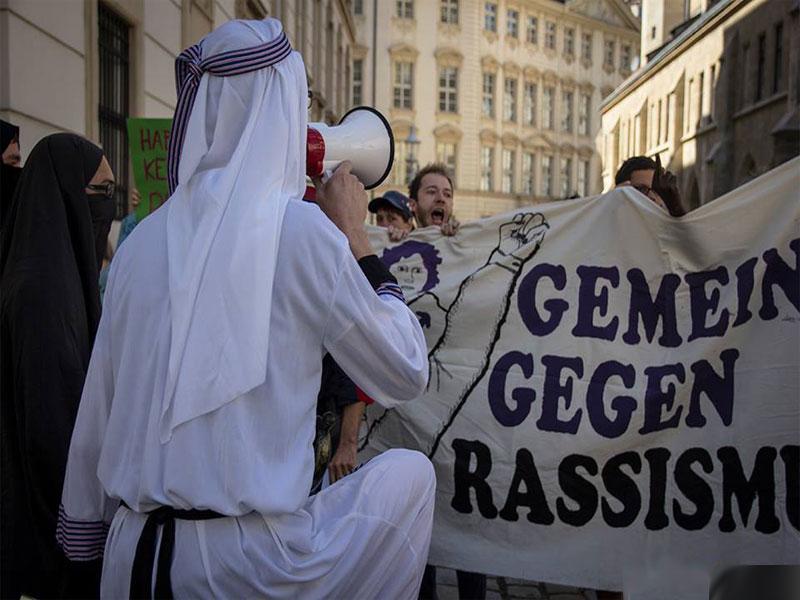 demo-burka2