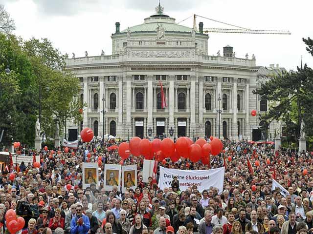 Erste-Mai-Rathaus10