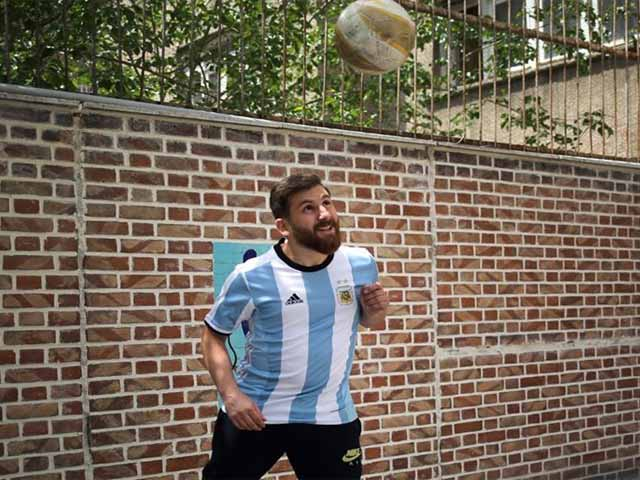 Messi-Tehran1