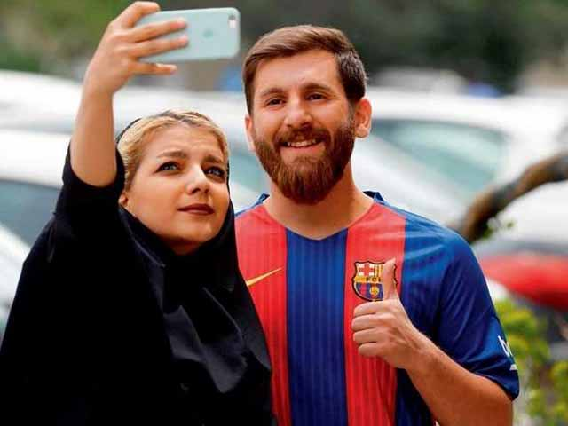 Messi-Tehran5