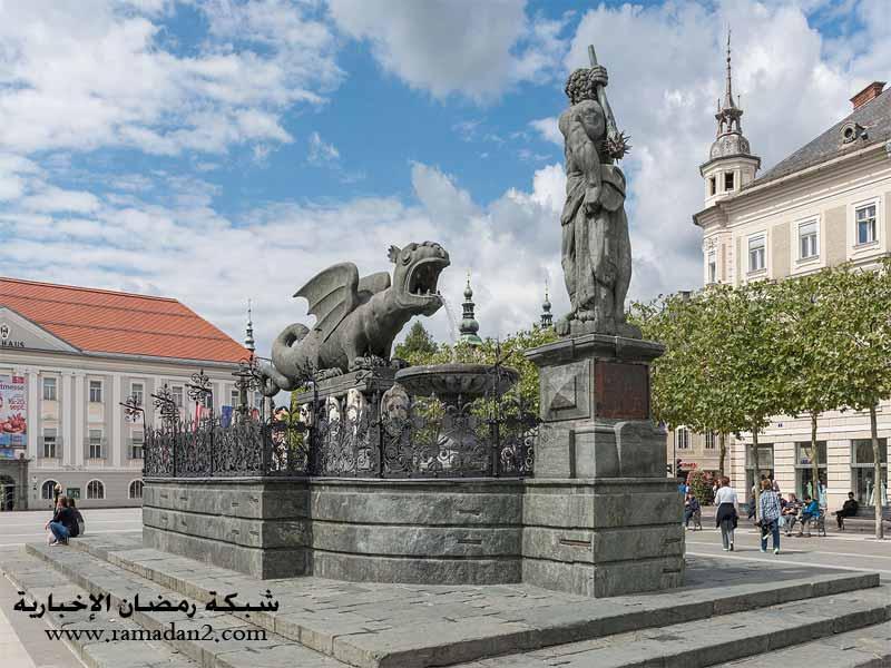 Klagenfurt_Lindwurmbrunnen