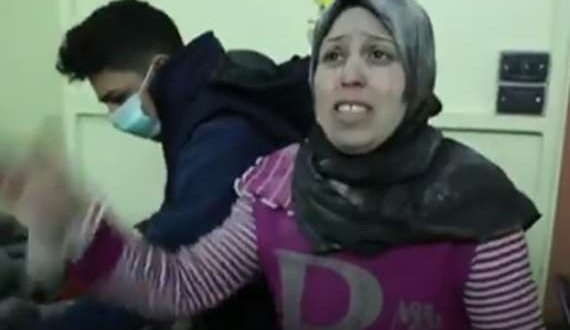 بالفيديو..أم في الغوطة الشرقية: أنتظر موت ابني ليجد طعامًا في الجنة