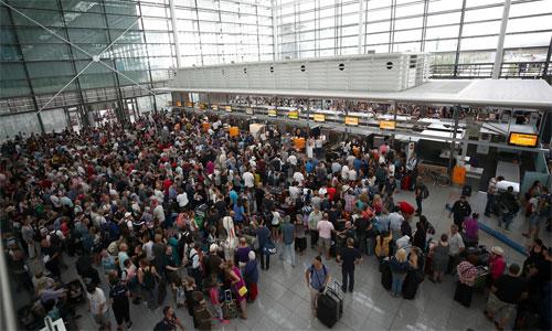 Menschen-Flughafen