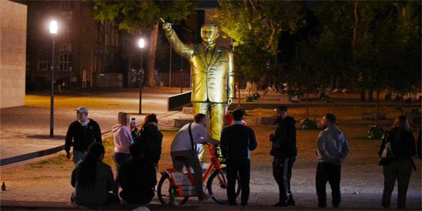 Erdogan-Statue-index
