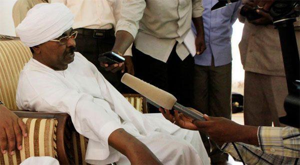 """السودان.. حراسة """"قوش"""" مدير جهاز الأمن السابق تمنع القبض عليه"""