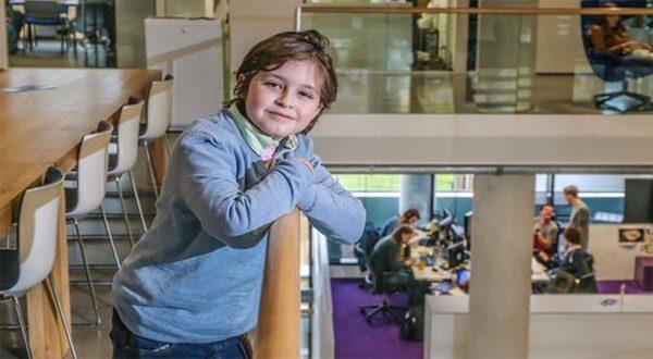 خريج هندسة بعمر 9 سنوات، يستوعب مقررات الدراسة في أسبوع! تعرف على الطفل العبقري الذي أبهر العالم