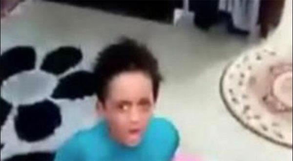 فيديو صادم.. أم تعذب ابنها بقسوة: قول لابوك ييجي ياخدك أنا مش هربي ولاد حد
