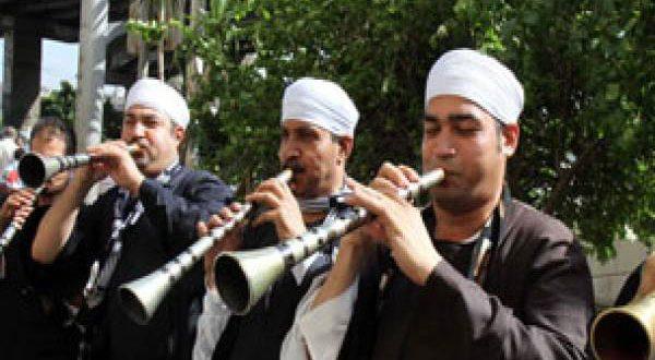 بالفيديو – زفة بلدى لعروسين فى مصر – يجب القبض عليهم