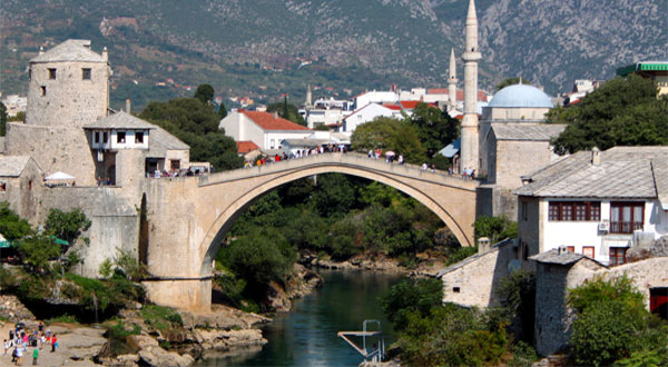 النمسا تحذّر من السفر إلى دول البلقان