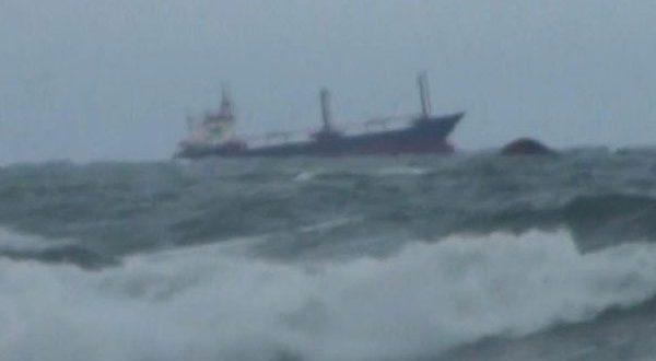 عاجل.. بالفيديو غرق سفية روسية قبالة السواحل التركية