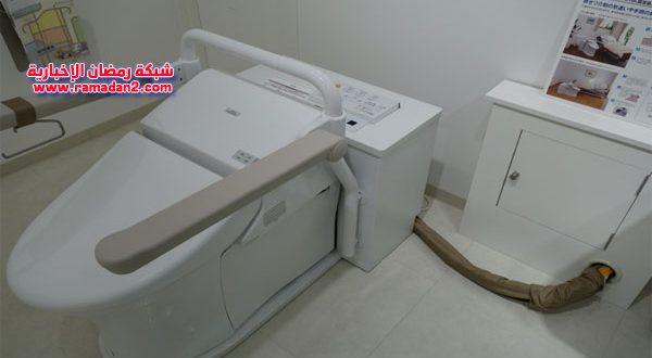 """بتقنيات عالية ويقدم نصائح وتحذيرات صحية.. """"مرحاض العافية"""" آخر ابتكارات اليابان العجيبة"""